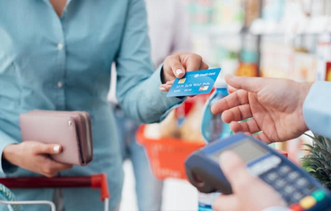 bijak dalam menggunakan kartu kredit